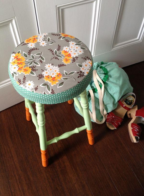 Give a boring old stool a beautiful makeover | Craft.tutsplus.com #FreeTutorial #Upcycling #VintageFabric #Painting #Sewing #Stool #Makeover