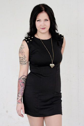 Perheen rokkareille! #rock #black #studded #dress #curvy #graduation #party | Cybershop