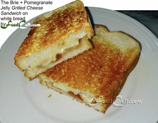 Making the #Brie and #Pomegranate #Grilled #Cheese #Sandwich #grilledcheese #grilledcheesesandwich