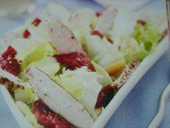 Insalata di pollo e pomodori secchi