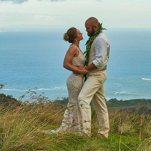 Ronda Rousey posts gorgeous photos from wedding to Travis Browne | For The Win