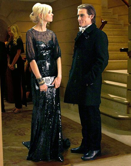 """Season 3, Episode 13: """"The Hurt Locket"""" Jenny Humphrey chatted with Damien Dalgaard while wearing an Andrew Gn gown and Badgley Mischka earrings."""