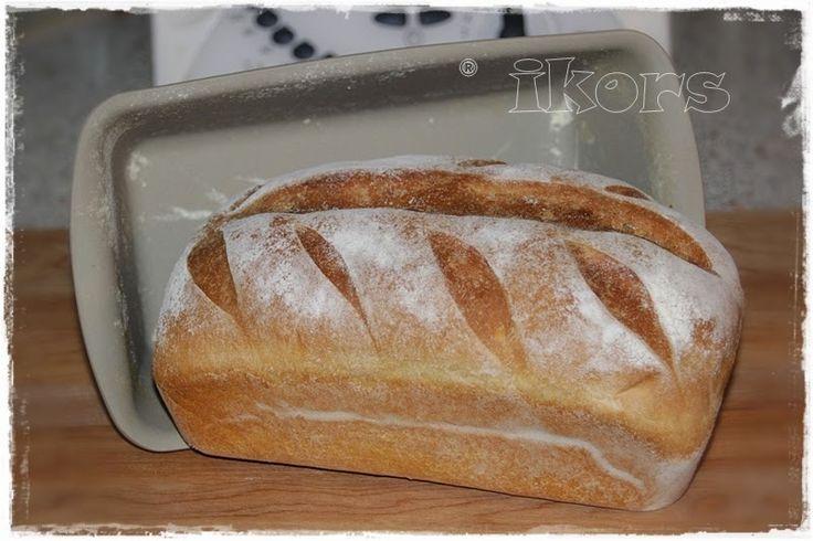 Buttertoastaus dem Zauberkasten 270 g Milch30 g Butter 15 g frische Hefe 3 Min./37°/St.1 470 g Mehl 550er10 g Zucker1 TL Salz 4 Min./Knetstufe  Teig in eine gemehlte Schüssel mit Deckel geben und 1 St