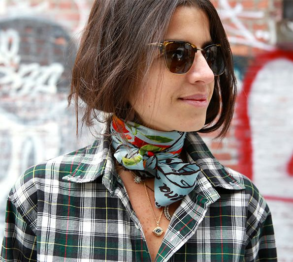 Trending Fashion Style: The Scarf. Leandra Medine A.K.A The Man Repeller in printed neck scarf wrapped around her neck as a choker, street style 2014.