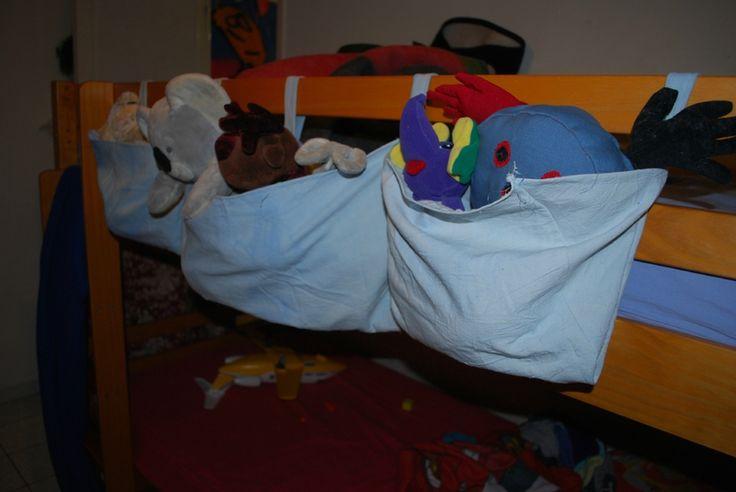 Range peluche pour lit superposé.