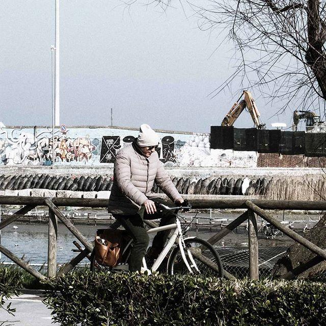In Pista. Ciclabile.  #inpistaciclabile  #bicicletas #bicicletta #bici #natura #nature  #pedalare #pedalandoefotografando  #green #igitaly  #gf_hdr #igitalia  #bicicle #ciclyng #cicle #ciclo #cicloturismo #cicloreporter  #hdr #hdrphotography  #certocheconunaleica #ebike