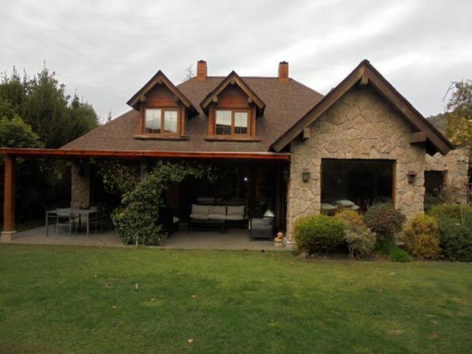 Casa en condominio muy seguro Informe de Engel & Völkers | T-1422121 - ( Chile, Región Metropolitana de Santiago, Lo Barnechea, Los Trapenses )