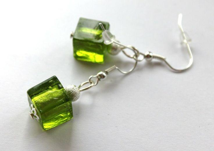Kolczyki-kostki z zielonego szkła weneckiego w Especially for You! na http://pl.dawanda.com/shop/slicznieilirycznie  #kolczyki #earrings  #handmade #DaWanda  #glass #szkło