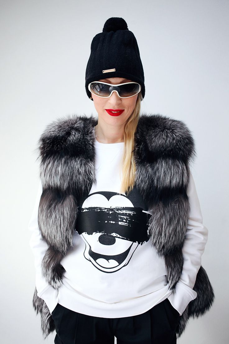 Here I come in black & white outfit with my favourite hat from Takeshy Kurosawa. #fashion #ootd #hat #winter #white #black