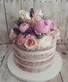 Featured Wedding Cake: The Cocoa Cakery