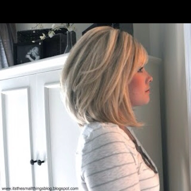 blonde medium hairstyle