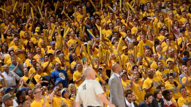 Warriors Fans Provide Monty Williams with Earplugs for Oracle Arena  (Warriors v. Pelicans Game 2)