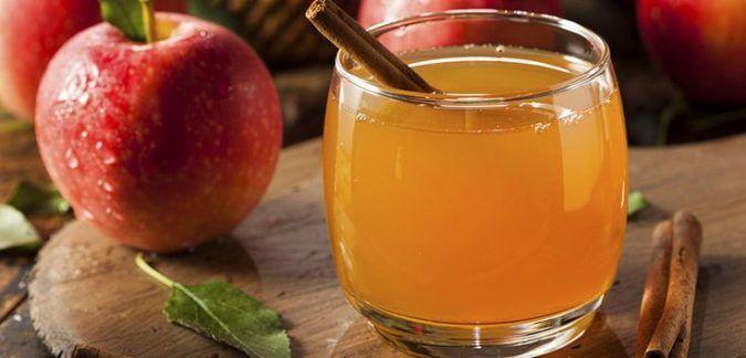 exceso-de-heces-en-el-intestino   beber cada mañana para limpiar el colon y empezar el día balanceado y fresco.  Para empezar, hierve 1/4 de litro de agua en una tetera. Añade 2 cucharadas de vinagre de sidra de manzana crudo en el agua caliente. A continuación, agrega 1 cucharada llena de miel orgánica cruda.