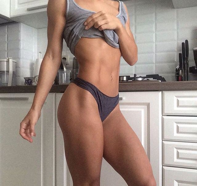 Female fitness motivation: by eating healthily 80% of the time, consistently following a fitness plan that incorporates weight-lifting and cardio, drinking 2 litres of water a day and pampering your skin with dry body brushing and moisturising, everyone can achieve their perfect beach body. Washboard abs, a round butt, toned arms and strong legs come from consistency, but the results are so worth it.