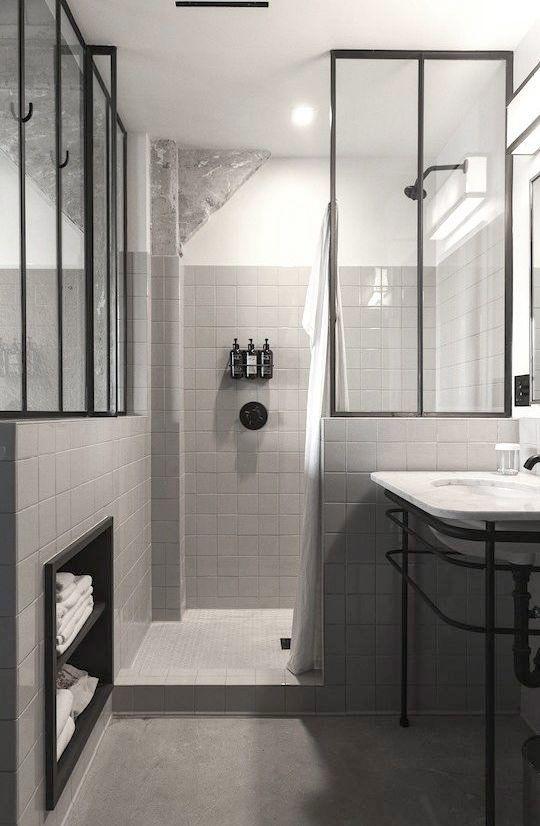 Stark badrumstrend – vackra glasdörrar i badrummet - Sköna hem