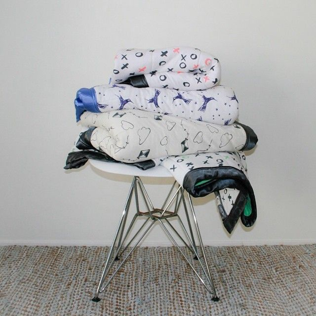 Starting to get a little chilly at night? Our super sized cot quilts are so cuddly - made from two layers of organic cotton knit fabric (front and back) and lined with a light-weight polyester wadding that makes them easy to wash and perfect for sensitive babies and children. #cotquilt #baby #organiccotton #moonjelly #madeinaustralia #madeinmelbourne #interiors #kidsinteriors #kidsstyle #nursery #nurserydecor #nurseryinspiration