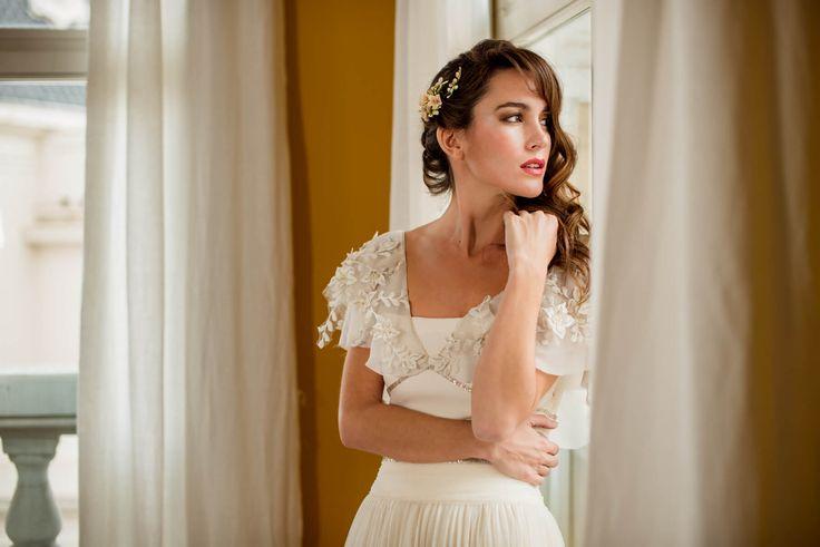 Editorial de boda en Madrid Hotel Iberostar las Letras Gran Vía Madrid - Vestido de Rosario Díaz - Maquillaje y peluquería de Le Salon d´Apodaca