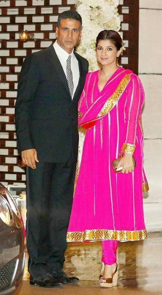 Akshay with his wife Twinkle