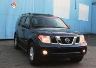 "2006 Nissan Pathfinder SE Off Road: Is this the ""just right"" SUV for you?"