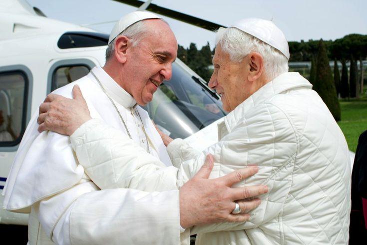 Castel Gandolfo, Italia, 23 de marzo de 2013. Encuentro entre el nuevo papa Francisco y el papa Emérito Benedicto XVI en Castel Gandolfo, Italia. Foto: Osservatore Romano.
