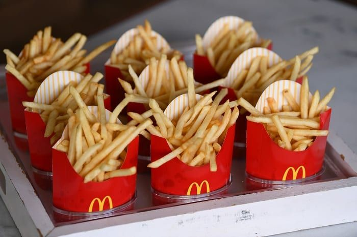 Fast Food Employees Share The Items You Should Never Order From 50 Of Your Favorite Chains Food Mcdonalds Fries Mcdonald French Fries