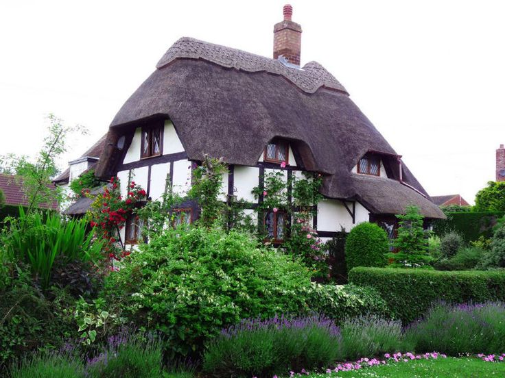 10 Beautiful Cotswolds Cottages