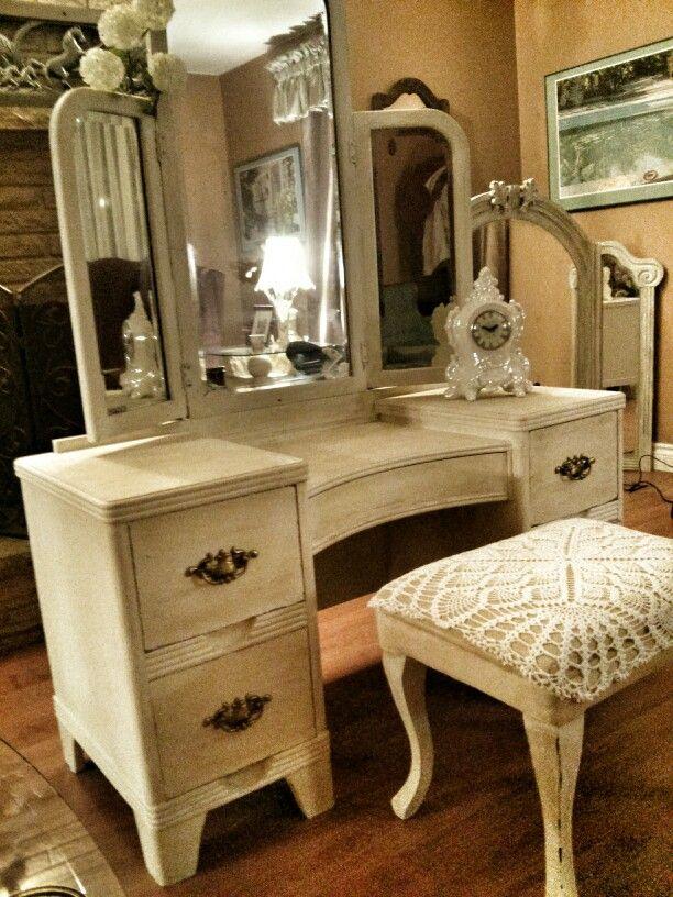 White Vanity in a highly distressed finish with lace covered stool. & 15 best My Vanity Creations images on Pinterest | Dressing table ... islam-shia.org