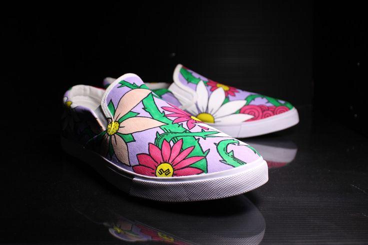 Scarpe Personalizzate senza lacci, con fiori ed altre decorazioni, antonella fiordelisi