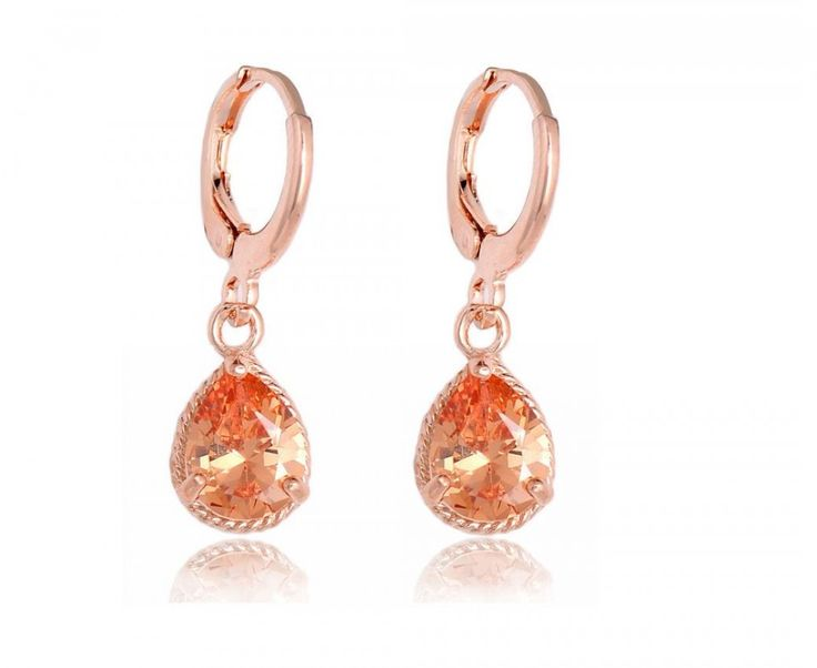 cercei lungi si eleganti http://www.bijuteriifrumoase.ro/cumpara/cercei-drop-diamnod-champagne-1547