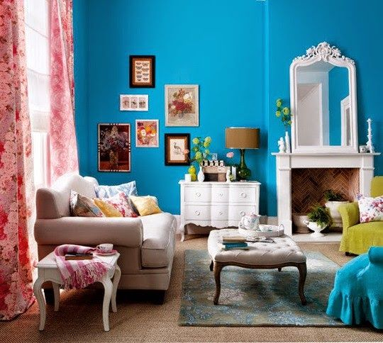 Love the Teal walls!