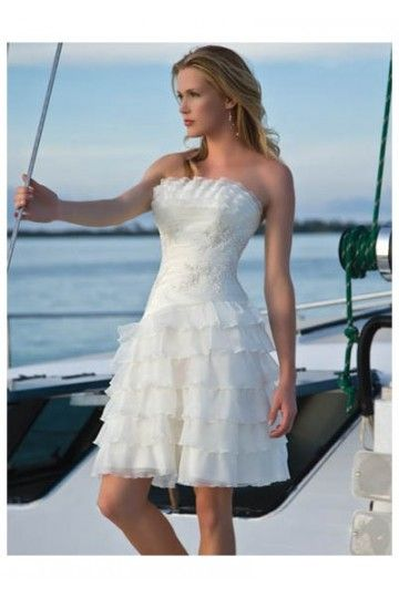 39 best short wedding dress images on Pinterest | Wedding frocks ...