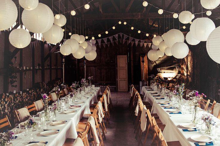 De romantische boerderijbruiloft van Stefan en Lisanne. Foto: Bruidstaart met doperwtjes.