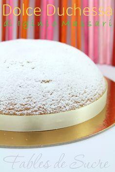 Dolce Duchessa di Iginio Massari, un dolce davvero caratteristico nella forma e nel sapore dalla consistenza unica e dall'intenso gusto di mandorla. Grande!