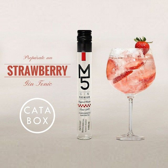 SnapWidget | Gin tonic de fresa con M5 Gin. Pruébala con el Pack Gin Premium Españolas de Catabox. #catabox #cataboxgin #m5gin #gin #gintonic #ginlover #ginlovers #tonic #momentogintonic #comosinohubieramañana #picoftheday #drinks #beautiful #pretty #photooftheday #cocktailparty #mixology #food #foodiespain #love #drinkoftheday #regalo