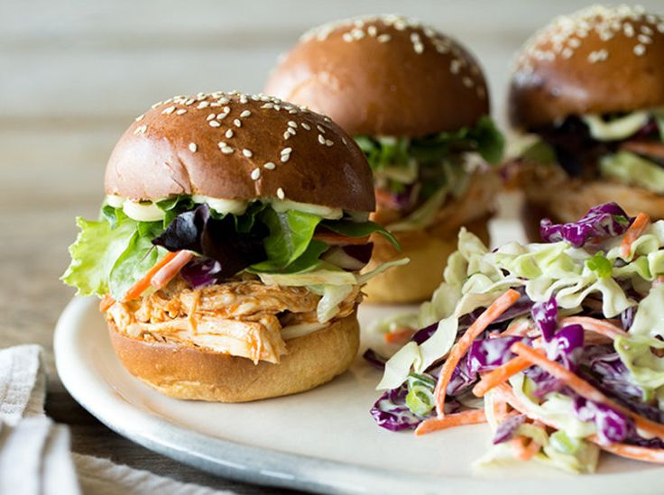 Mini-Burger mit Pulled Chicken und Coleslaw_Article