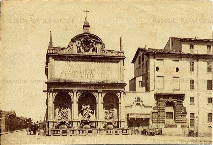 Largo di Santa Susanna – Fontana del Mosè, mostra dell'Acqua Felice Anno: 1866 ca