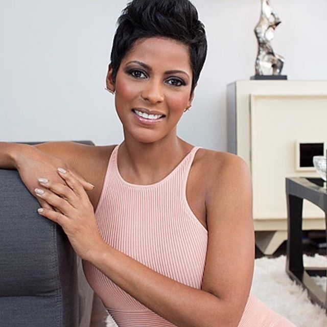 Today #onxonecole: #TamronHall is 45, has an amazing job on The Today Show but she's never made it down the aisle. Running away from two engagements she fears love because of her sisters death; a domestic violence case. Head over to xonecole.com and read more about her phobia of divorce and why with the demands of her career have also played a huge part in her hesitance to commit to long-term relationships. Link in bio.