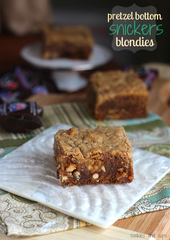 Pretzel Bottom Snickers Blondies  From @Shelly Jaronsky (cookies and cups)