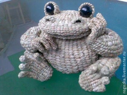 лягушка-мыслитель из рогоза - плетение,скульптура,лягушка,рогоз,Соломка