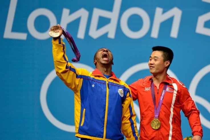 Óscar Figueroa logró medalla plata en Levantamiento de Pesas.