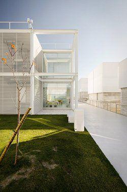 ELDERLY PERSONS RESIDENCE, Alcabideche, 2012 - Guedes Cruz Arquitectos