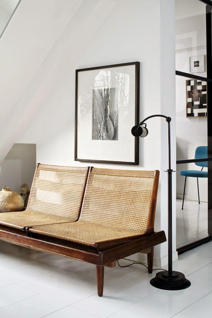 Rattan sofa, black and white, rotting, Scandinavian style interior and decor – Husligheter