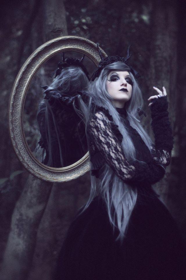 Model: MARIMOONPhoto: Lua MoralesWelcome to Gothic and Amazing |www.gothicandamazing.org