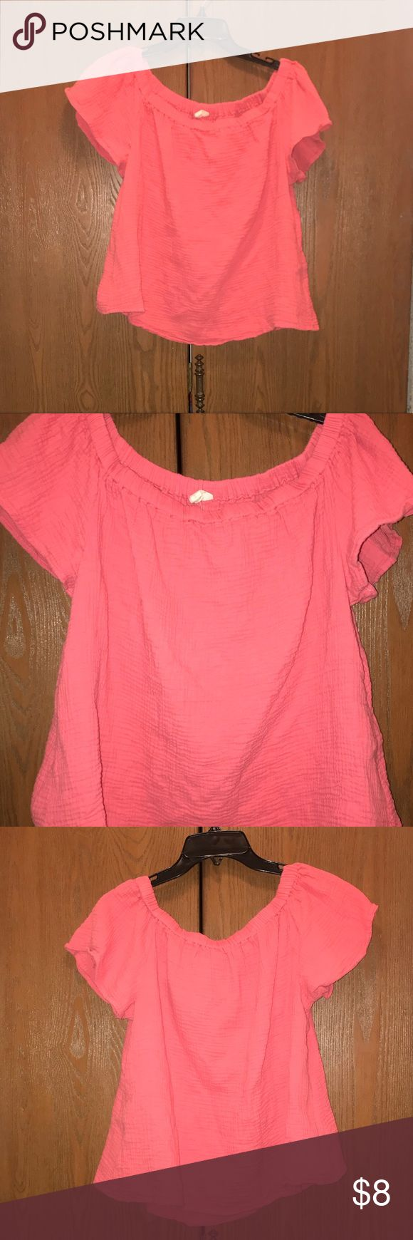 Off The Shoulder Top A DIV salmon colored, off the shoulders top. Pre Loved Cotton material with some texture.  Flowy, ruffled sleeves that stretch over your shoulders.  Cute with high waisted shorts or jeans. A DIV Tops Crop Tops
