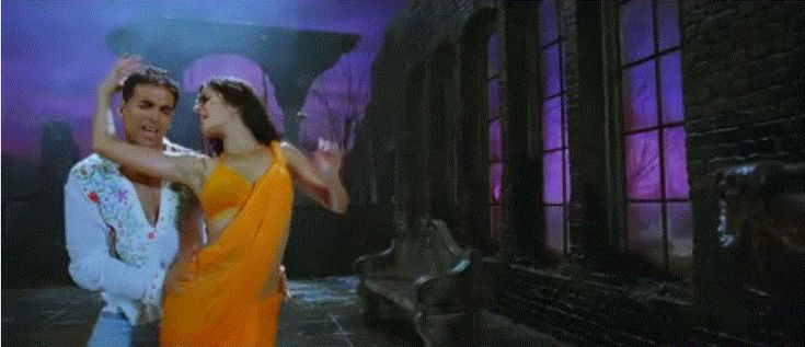 Katrina Kaif Hot Performance in  De dana dan and Boom
