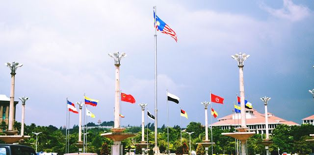PUTRAJAYA : A BEAUTIFUL ADMINISTRATIVE CENTRE OF MALAYSIA