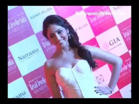 Yami Gautam snapped at retail Jeweller India Awards 2013.
