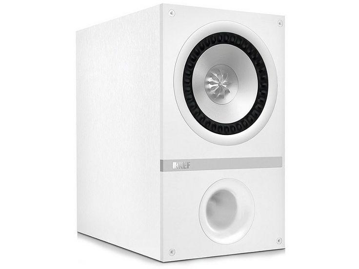 Reprennant les technologies de la Q300 dans un format plus compact (avec ici un HP de 130 mm), l'enceinte bibliothèque KEF Q100 est issue du projet Concept Blade, comme toutes les enceintes de la série Q : elle profite donc du haut-parleur UniQ avec tweeter 25 mm à dôme ventilé monté sur un HP de 130 mm en aluminium.  |  #BookShelf #Speaker #enceinte #EnceinteBibliothèque #Kef #Q100