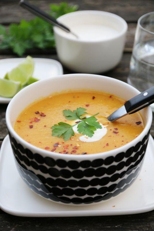 Spicy gulrotsuppe med røde linser