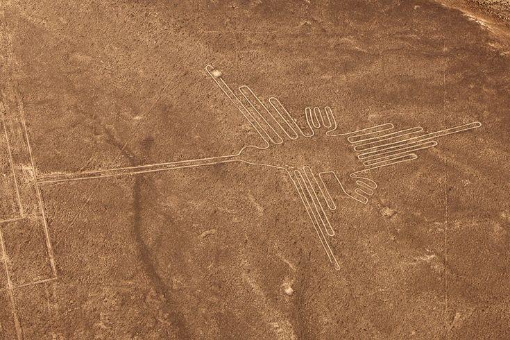 Nazca and Palpa lines. South America, Peru. / Nazca Çizgileri'nin antik çağlarda dünyayı ziyaret etmiş üstün yaşam formlarına iniş pisti işlevi görmesi gayesiyle oluşturulduğu öne sürülüyor.